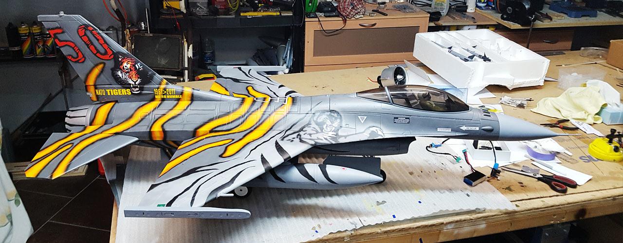 Freewing F-16C Super Scale 90mm EDF Jet