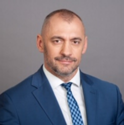 Local banking is a perfect fit for current trends - interview with Bartosz Kublik