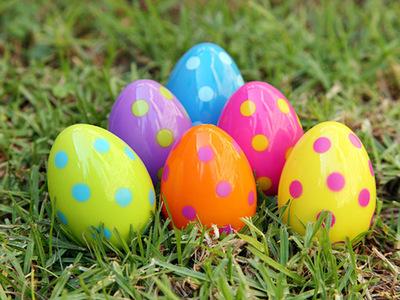 Largage oeufs de Pâques à Grandrieu
