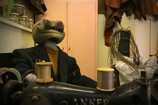 het atelier van de handtassenmaker